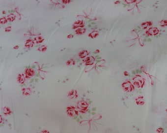 Yuwa Roses Fine Cotton Fabric  Pink Roses and bows on white 801961