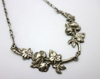 SALE VintageRetro Silver Flowers Choker Necklace