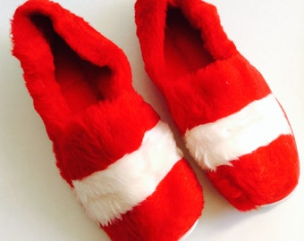 Red and white Plush slippers.  Shoes.  Open Toe.  Vintage 70's.  Never worn. Size small, 5-6.  Dearfoams.  Made in USA.