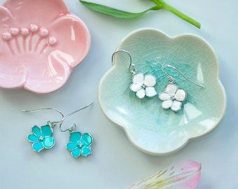 White earrings, White flower earrings, white and silver earrings, mint earrings, bridesmaids earrings, Resin jewelry, cute earrings, silver