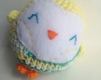 Handmade crochet owl rattle, Yellow crochet baby toy