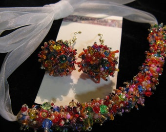 183 CONFETTI necklace and earrings in super beaded style