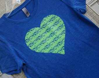 Heart filled with Love   Kids T-shirt