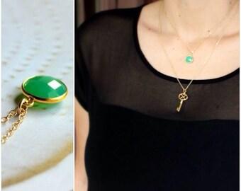 Chrysoprase Chalcedony Bezel Set Pendant Necklace - 14K Goldfilled