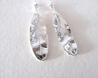 Silver oak leaf dangle earrings on sterling plated fixtures