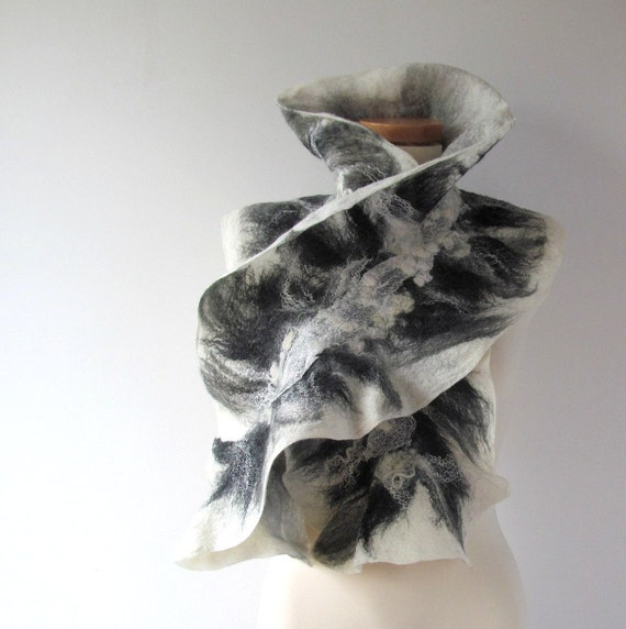 Felted scarf Grey scarf ruffle collar, wet felted ruffle scarf ,  White Black grey collar by Galafilc