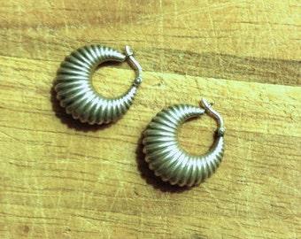 Jewelry. Vintage. Classic Silver Hoop Earrings