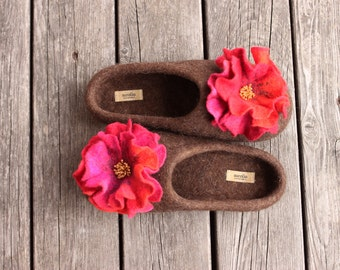 Women felted slippers, brown wool house shoes, home woolen clogs, embroidered pink orange red flower with glass beads, winter Christmas gift