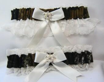 Camo garter MOSSY Oak CAMOUFLAGE wedding garters deer ivory Lace