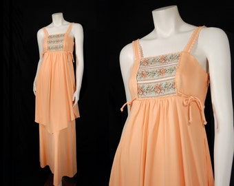 Vintage 70s Peach Sleeveless Maxi Dress sz S Empire Waist Peplum Tapestry Bib Boho Hippie