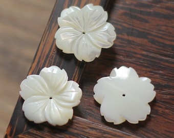 10pcs White Mother of Pearl Shell Flower Charms 18mm/ 25mm Large -V1150