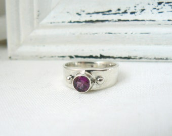 Sterling silver and rhodolite Garnet Ring - Size 6 - Pink gemstone ring women - READY TO SHIP