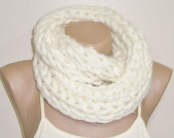 CREAM INFINITY SCARF - Hand knitted Scarf - infinity