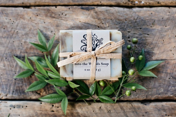 Eco Friendly Holiday Gift Set - Soap and Cedar Soap Dish