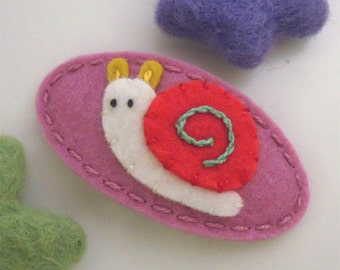Felt hair clip -No slip -Wool felt -Sam the snail -old pink