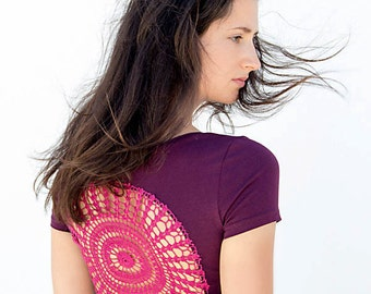 Purple t-shirt with upcycled vintage crochet doily back Size XS