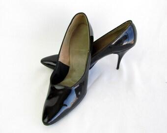Vintage 1950s Black Patient Leather Heels Hi- Society