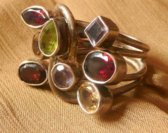 New!  Vintage Ring Sterling silver 925 and multicolour gemstones