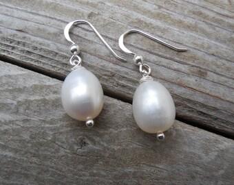 Pearl earrings in sterling silver 925