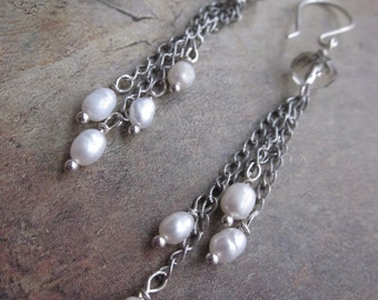 freshwater pearl dangle - the matana earrings