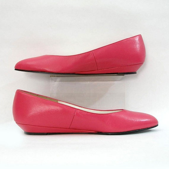 vintage 1990s shoes pink low wedge heel skimmer flats u