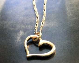 Floating Heart Charm Necklace, 14k Gold Filled Heart Necklace, Classic Gold Necklace, Accessories, Holiday Gift, Gift Box