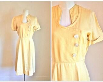 vintage 1940s day dress - BUTTER CREAM 40s linen dress / XS-S