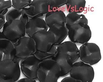 70 Gothic Rose Petal Acrylic Beads Charms. Matte Black