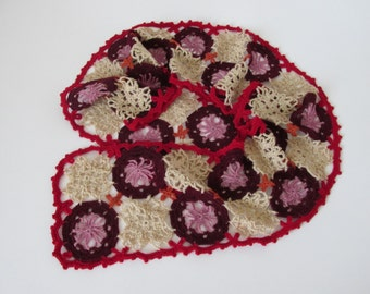 Lovely Crocheted Lady scarf in contrasting colours - red and beige