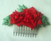 Red roses on comb silk kanzashi