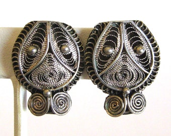 Vintage 30s 40s Sterling Silver Etruscan Filigree Screw Back Earrings