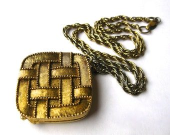 Vintage Aviance Gold Chain Solid Perfume Compact Pendant Necklace