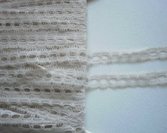 Lace Beige Beading 5/8 inch Wide Lingerie Dolls Shirts Jackets ONLY 9 yds 1140