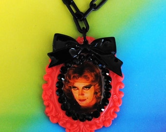 Rocky Horror Show Janet Floor Show Swarovski Crystal Cameo Necklace