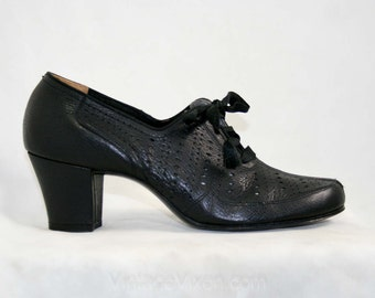 Size 6 1930s Black Shoes - Textured Leather Pumps - Perforated Leather - Oxford Style Ladies Shoe - NOS Authentic 30s Deadstock - 41329-1
