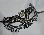 Unisex Metallic Filigree Masquerade Mask