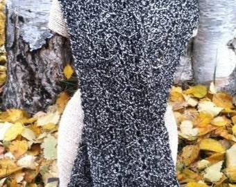 Blanc et Noir Crocheted Scarf