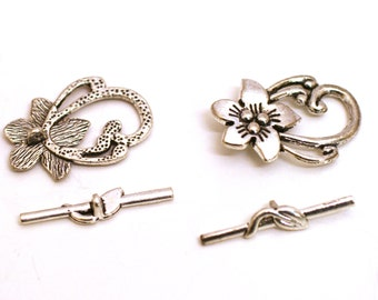 Flower Toggle Clasp. Antique Silver Clasp. Silver Toggle Clasp. Silver Jewelry Findings. Jewelry Supplies Wholesale. Vintage Jewelry Supply