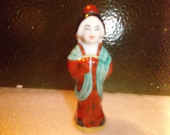 Vintage Hand Painted JingDeZhen Girl Snuff Bottle.