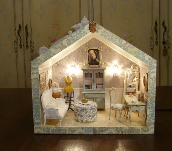 Maries French Shabby Chic Pied-a-Terre Room Box Dollhouse