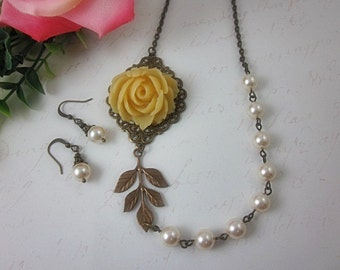 Cream Rose with creamrose swarovski pearls Necklace and matching Earrings Set.  Wedding. Bridal Jewelry.