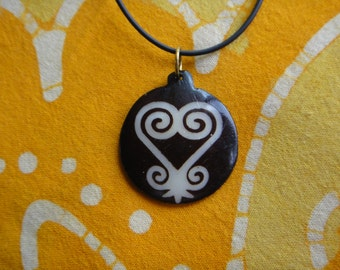 Sankofa Heart Adinkra West African Symbol Batik Bone Pendant Necklace Ashanti Trade Bead