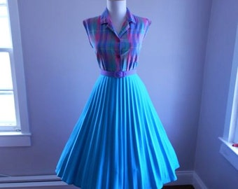 VINTAGE  1960s Turquoise Blue Accordion Style Lucy Pinup Pleated Full Skirt