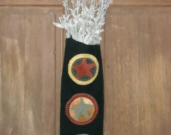 Rustic Barn Star Hanging Wall Pocket, Primitive Wool Applique - FREE US SHIPPING