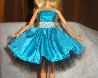Bright blue Silk party dress with silver belt & extra full black tulle slip for Fashion Dolls - ed437