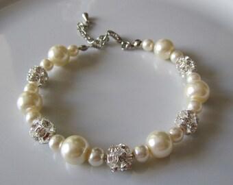 Ivory pearl bracelet with rhinestones - Bridal bracelet - Bridesmaid bracelet - Bridal under 25