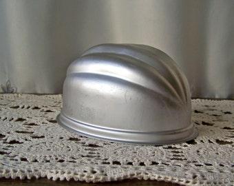 Vintage Melon Dome Aluminum Mould Wear Ever Dessert Mold Pudding Mould Salad Mould Kitchen Decor 1960s