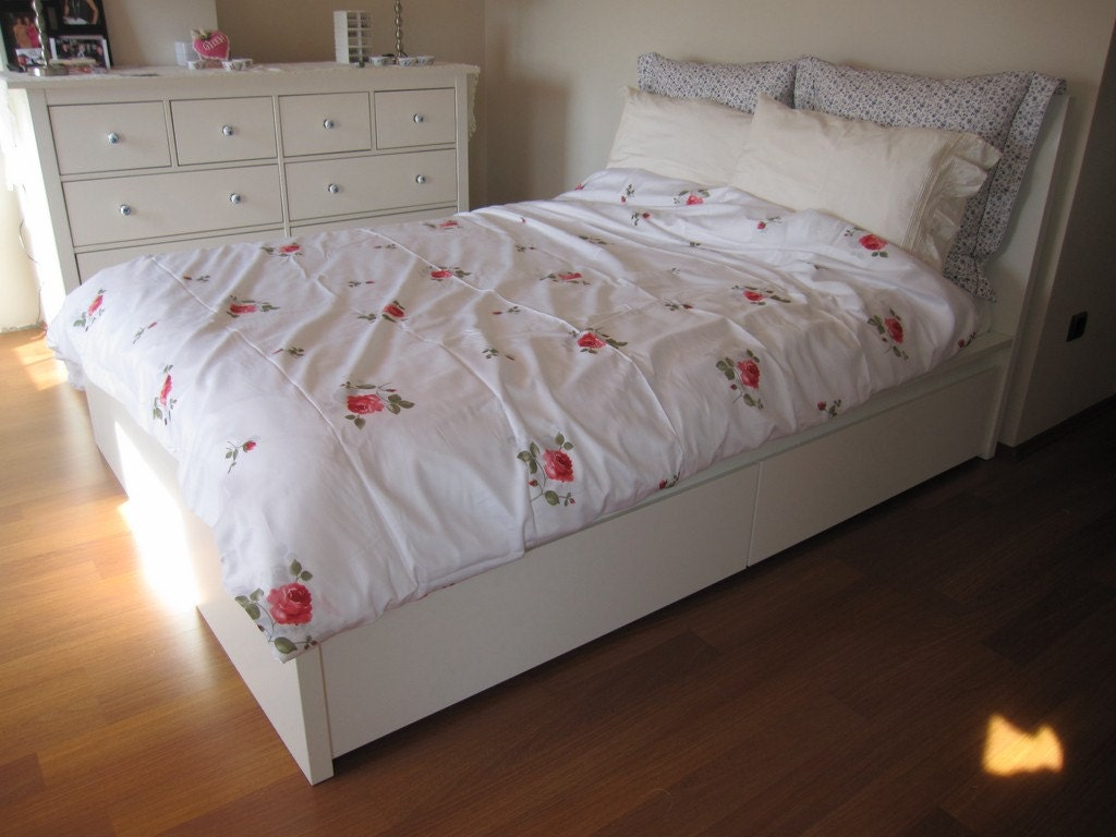 Bedding Dorm: College DORM Room Girls Bedding Pink Red Rose Print Floral