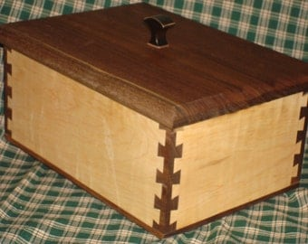Walnut,curly maple, dovetail jewelry box