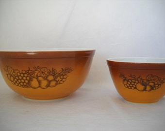 Pyrex Bowls Old Orchard Pattern Set Of 2